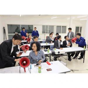 大阪府議会府民文化常任委員会の視察団が来社されました